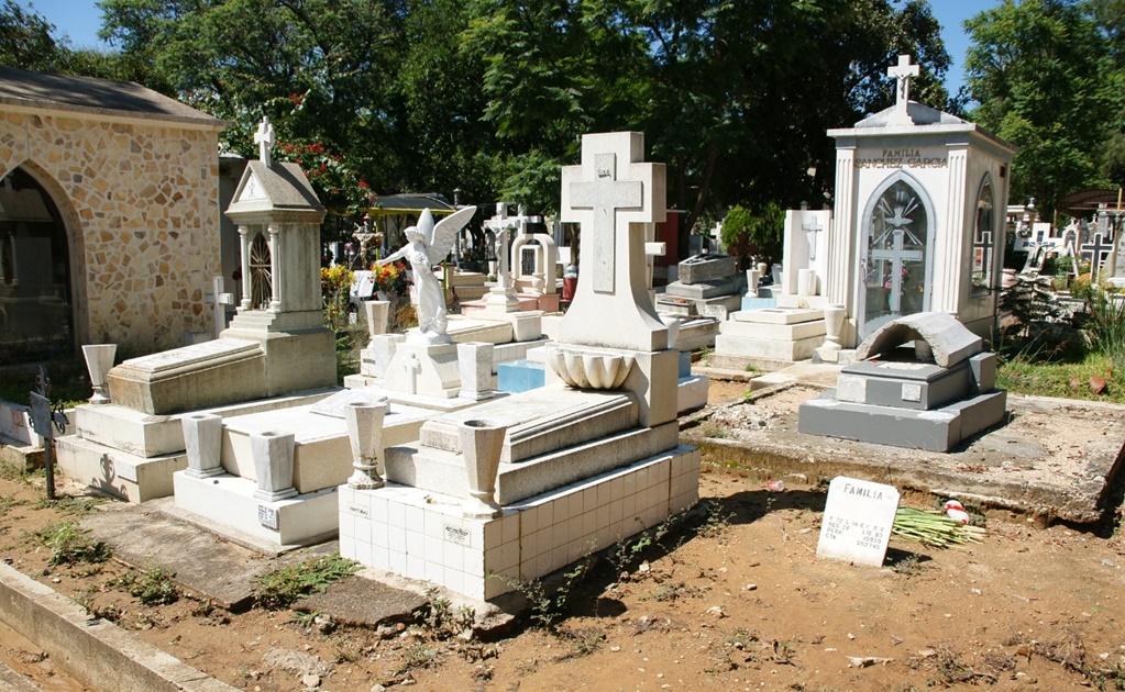 Sepelios en la capital, con máximo 10 asistentes; piden evitar cortejos fúnebres por coronavirus