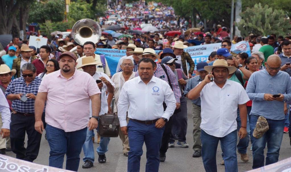 Exige Sección 22 esclarecer el crimen de dos docentes en Río Grande