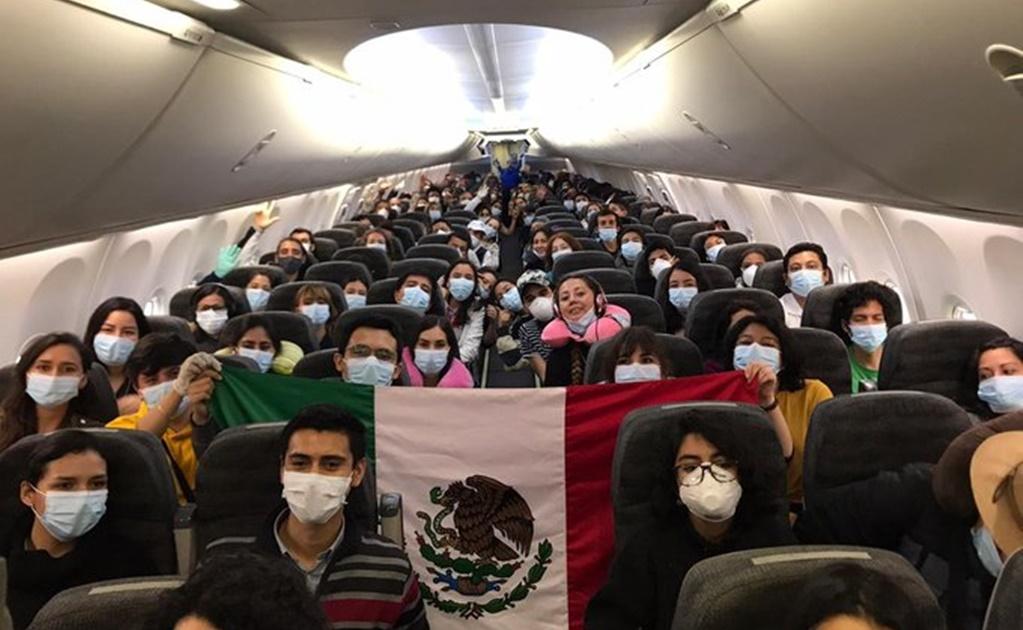 Oaxaqueños varados en Uruguay cruzaron tres países para volver a casa
