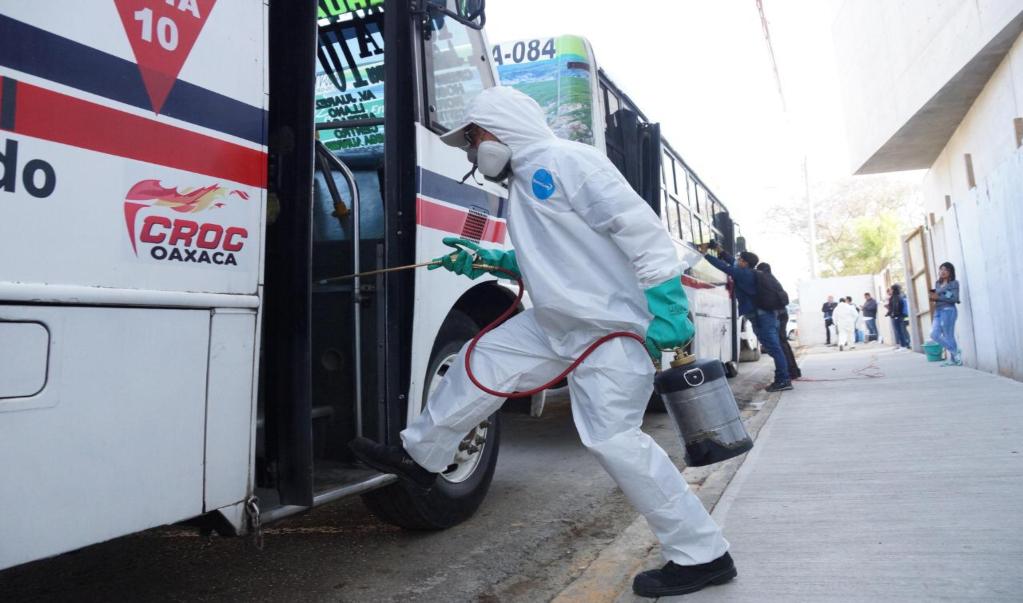 Multas de hasta 26 mil pesos para quien no acate medidas preventivas contra Covid-19 en transporte público