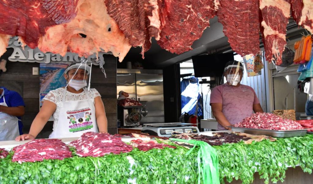 Ante repunte de contagios de Covid-19 en Oaxaca, sanitizan Central de Abasto  y entregan 15 mil cubrebocas