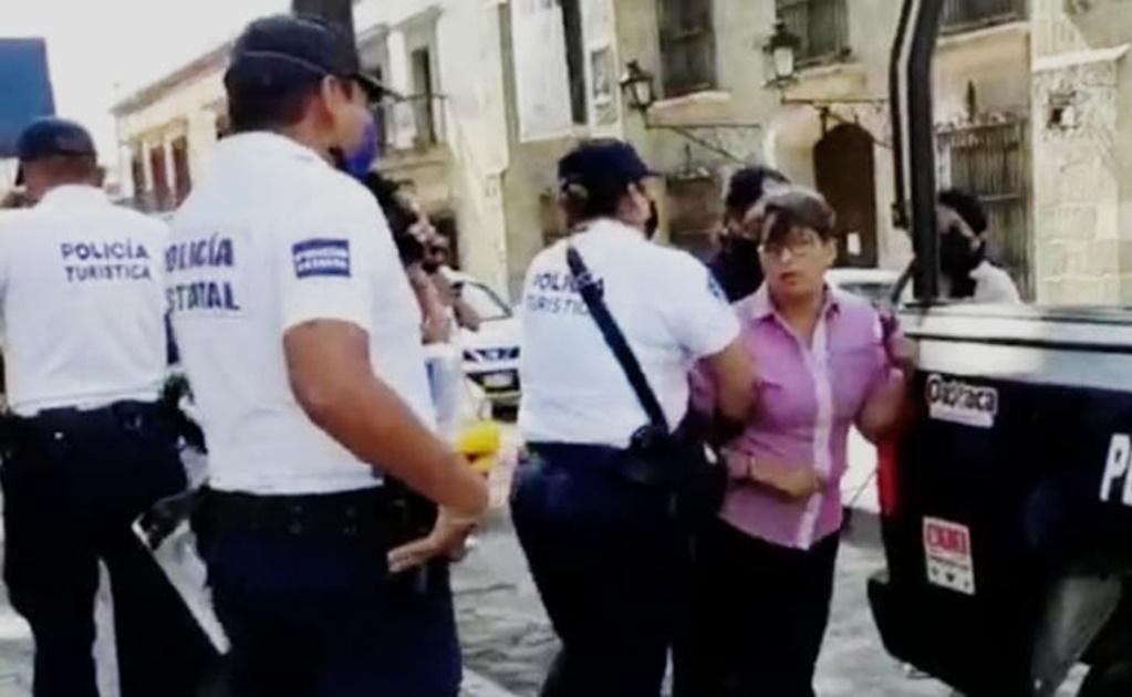 Arrestan a una mujer en Oaxaca por violar restricciones de seguridad ante pandemia