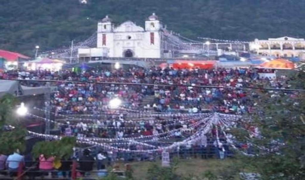 """Pese a pandemia, Alotepec celebra la """"fiesta más grande de la región mixe"""""""
