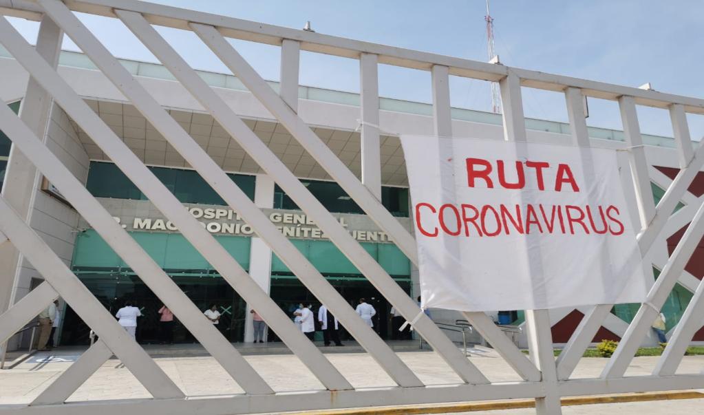 Blindan hospital de Juchitán ante rumores de que se llevarían cuerpo de tercer fallecido por Covid-19