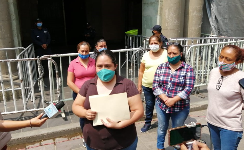 Comerciantes del kiosko del zócalo capitalino piden apoyos económicos antes crisis por Covid-19