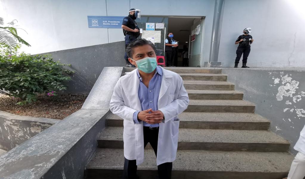Trabajadores del ISSSTE exigen la renuncia del director del Hospital Presidente Juárez, por crisis de Covid