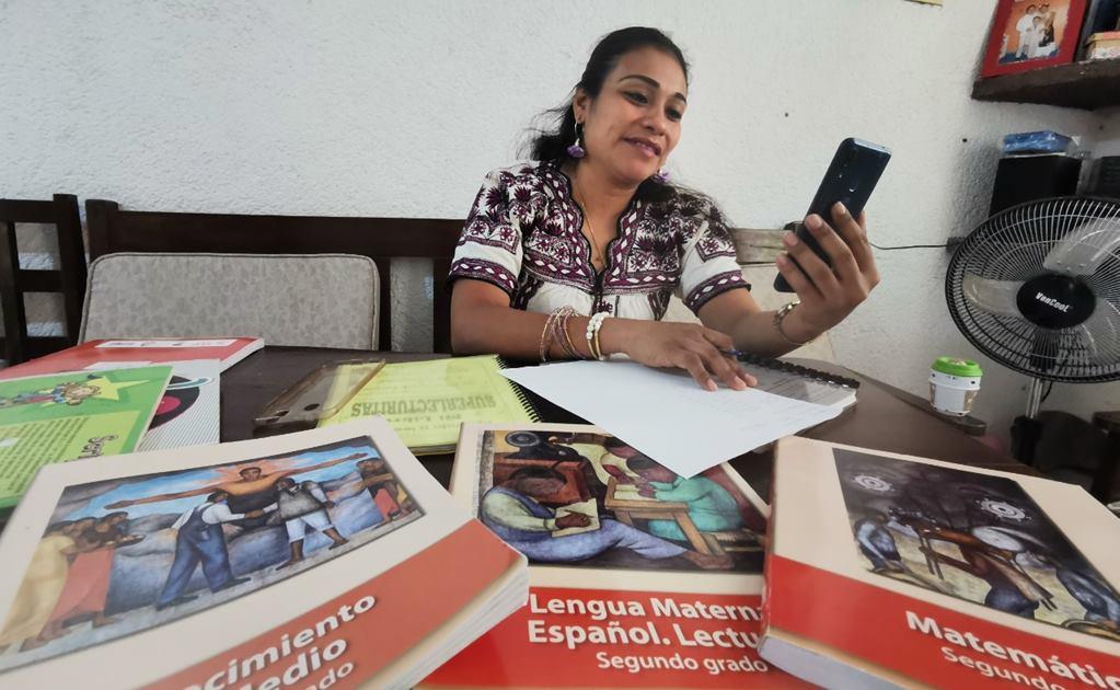 A la distancia por coronavirus, maestros indígenas crean estrategias para regularizar alumnos bilingües