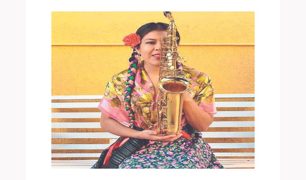 María Elena: la música y el saxofón como sanación emocional en esta pandemia