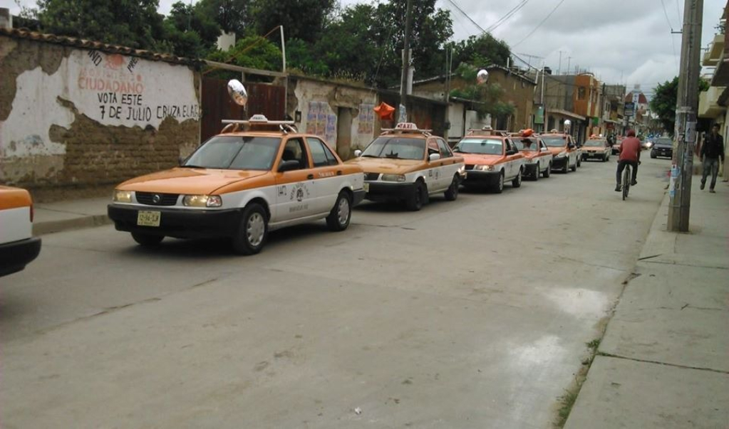 Suspenden transporte público nueve municipios de la Sierra Sur por Covid-19; refuerzan filtros sanitarios