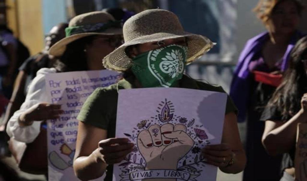 """Exigen cancelar evento """"pro-vida"""" del gobierno capitalino; atenta contra derechos de las mujeres, acusan activistas"""