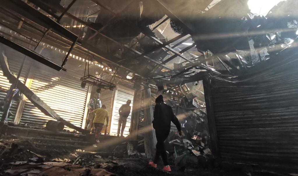 Solidaridad, un respiro para comerciantes de la Central de Abasto que se levantan de las cenizas