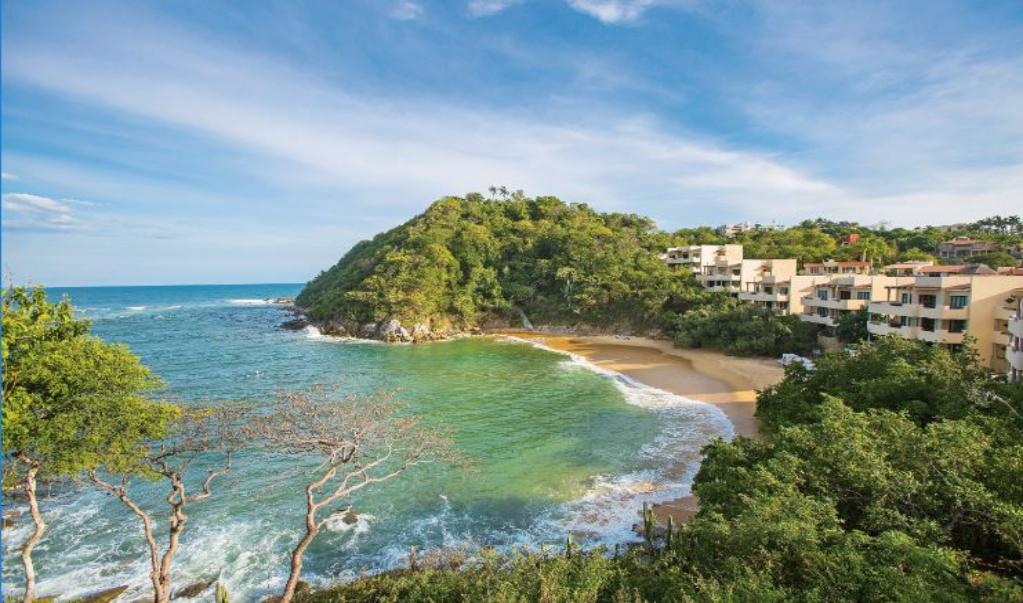 """Red de """"empresas"""" ofrece falsos viajes a paraísos turísticos de Oaxaca; han defraudado a 200 familias"""