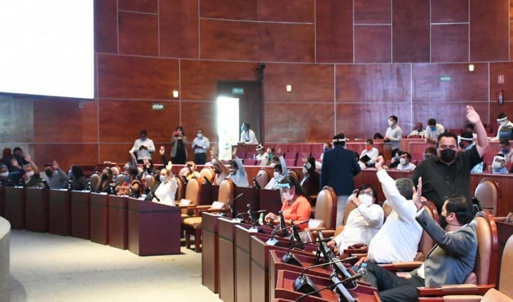 Proponen legisladores hasta 8 años de cárcel por incumplir pensión alimenticia en Oaxaca