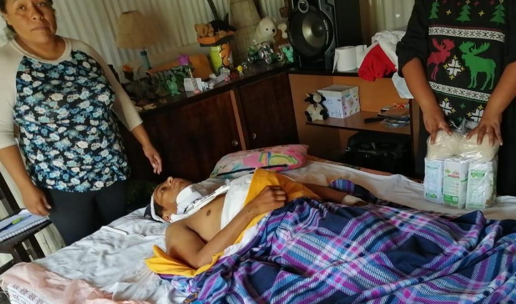 A Armando un mototaxista le disparó por la espalda; familia pide ayuda para poder operarlo