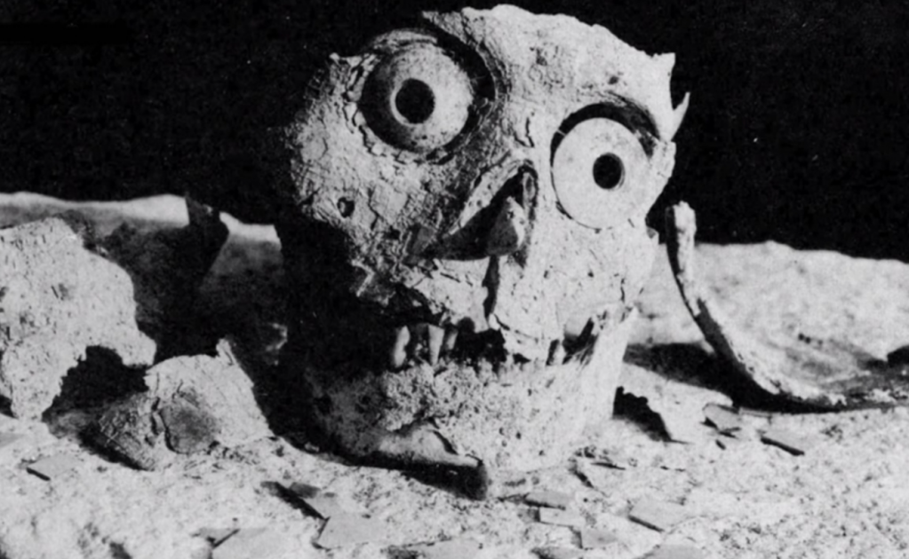 El hallazgo de oro y jade de Monte Albán en 1932, que fue transportado en un maletín