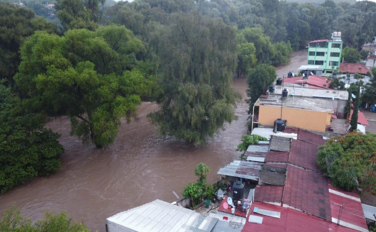 Onda Tropical 13 desborda río Sola y causa afectaciones en 3 municipios de la Sierra Sur