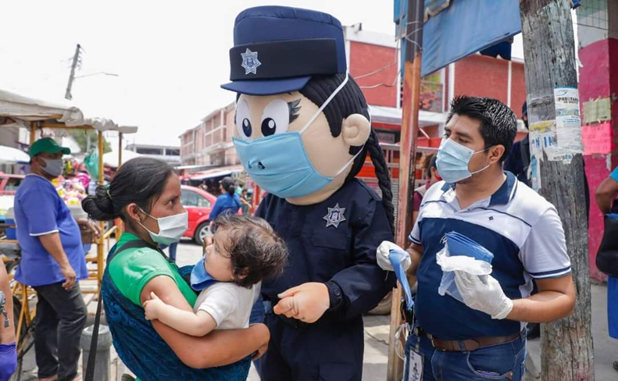 Con botargas de policías, combaten la pandemia de Covid-19 en el Istmo