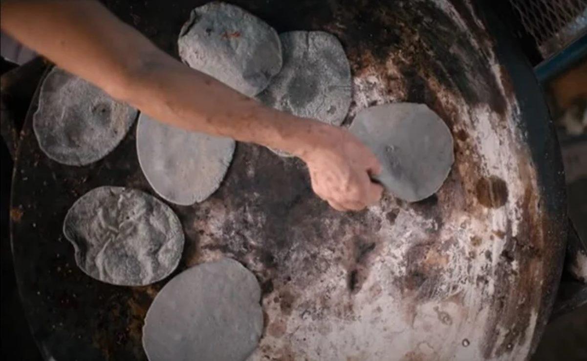 "Presume Netflix cocina de Oaxaca en la serie ""Street Food: Latinoamérica"""