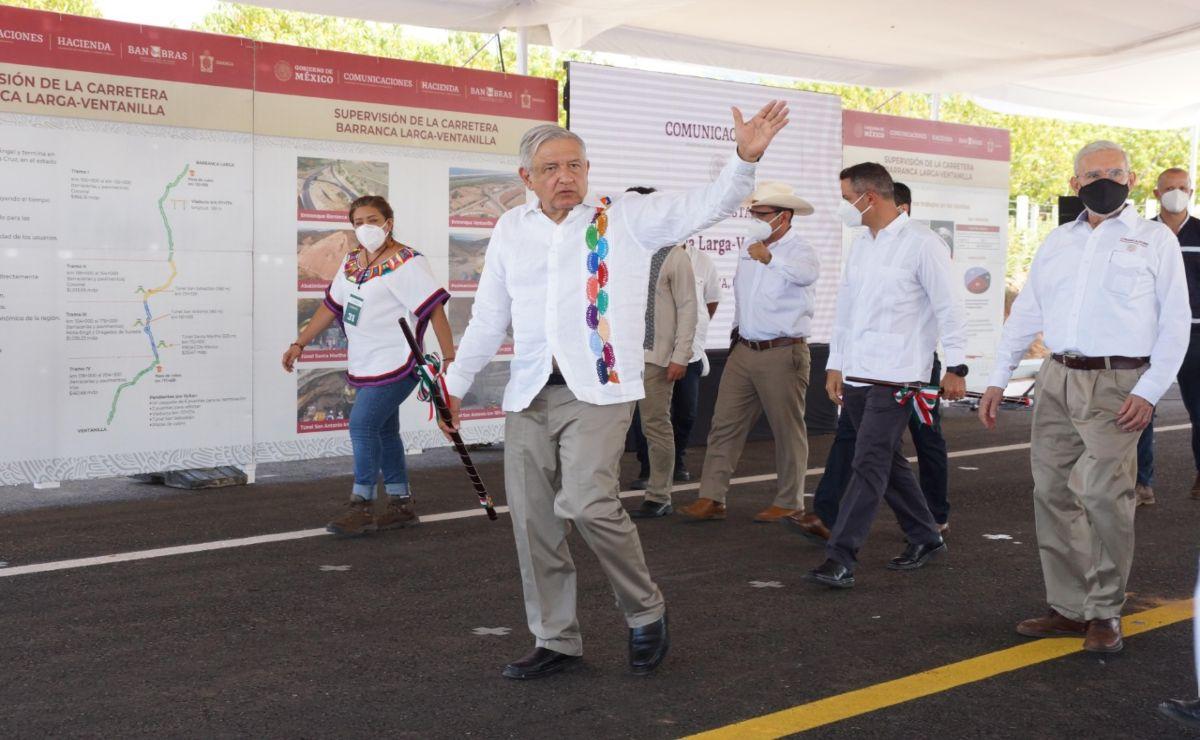 """""""Nos ayudó no parar la industria de la construcción"""", dice AMLO desde Oaxaca"""