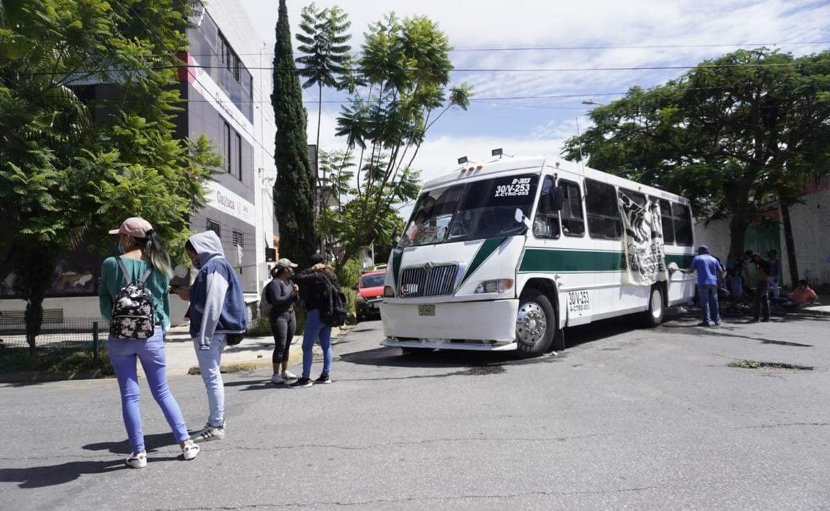 Normalistas no ceden: protestan para exigir examen de ingreso presencial y no en línea