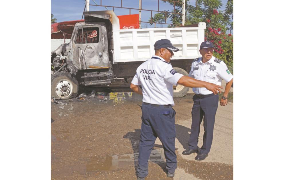 A punta de bloqueos, el sindicato Libertad disputa la obras clave de AMLO, incluidas las de Oaxaca