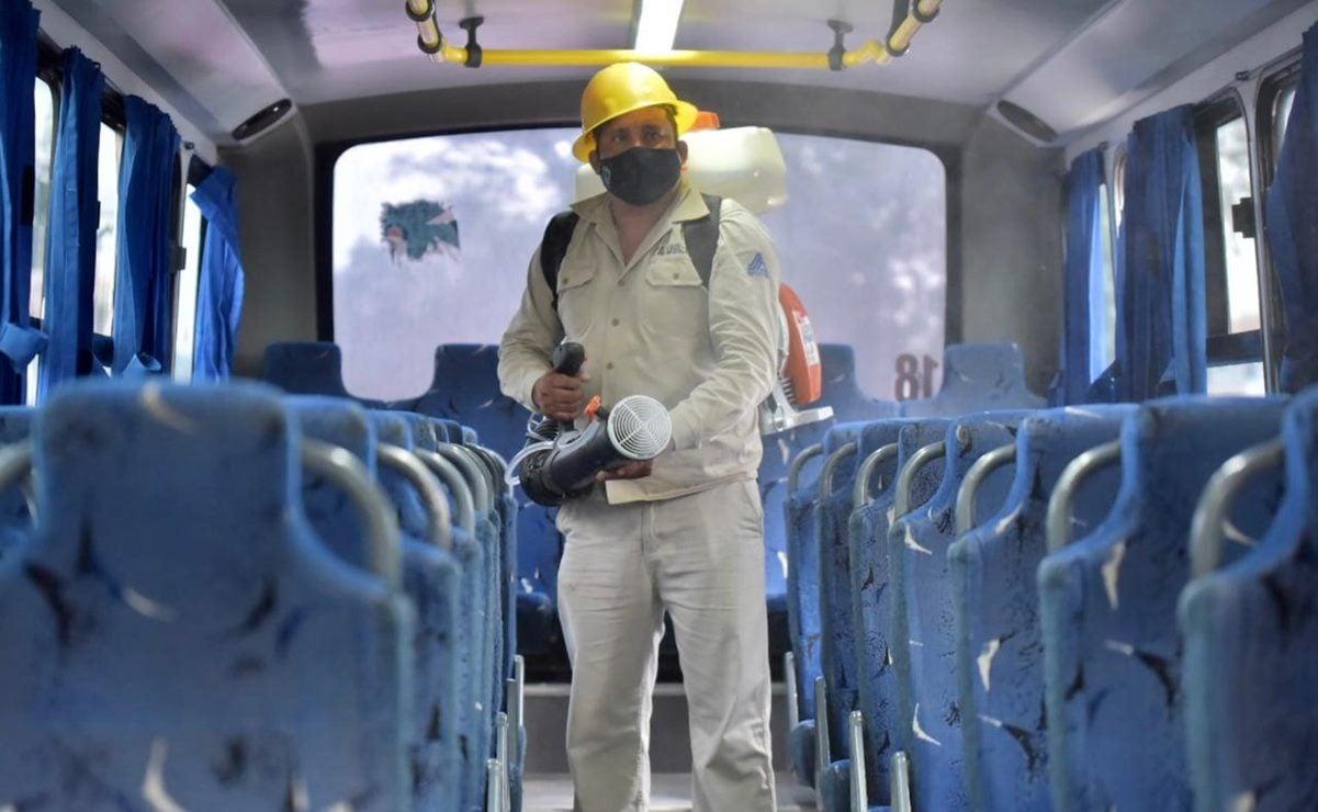 Sanitizan 300 unidades de transporte en municipios con alto nivel de contagio de Covid-19