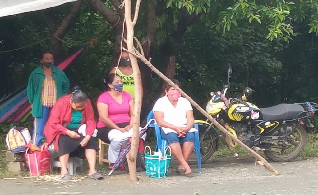 Cumple cinco días bloqueo en Los Chimalapas; comunidades exigen recursos para obras