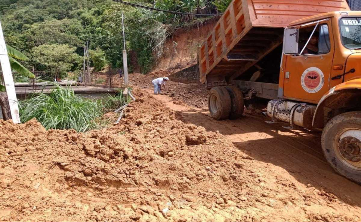 Lluvias dejan afectaciones en 97 tramos carreteros