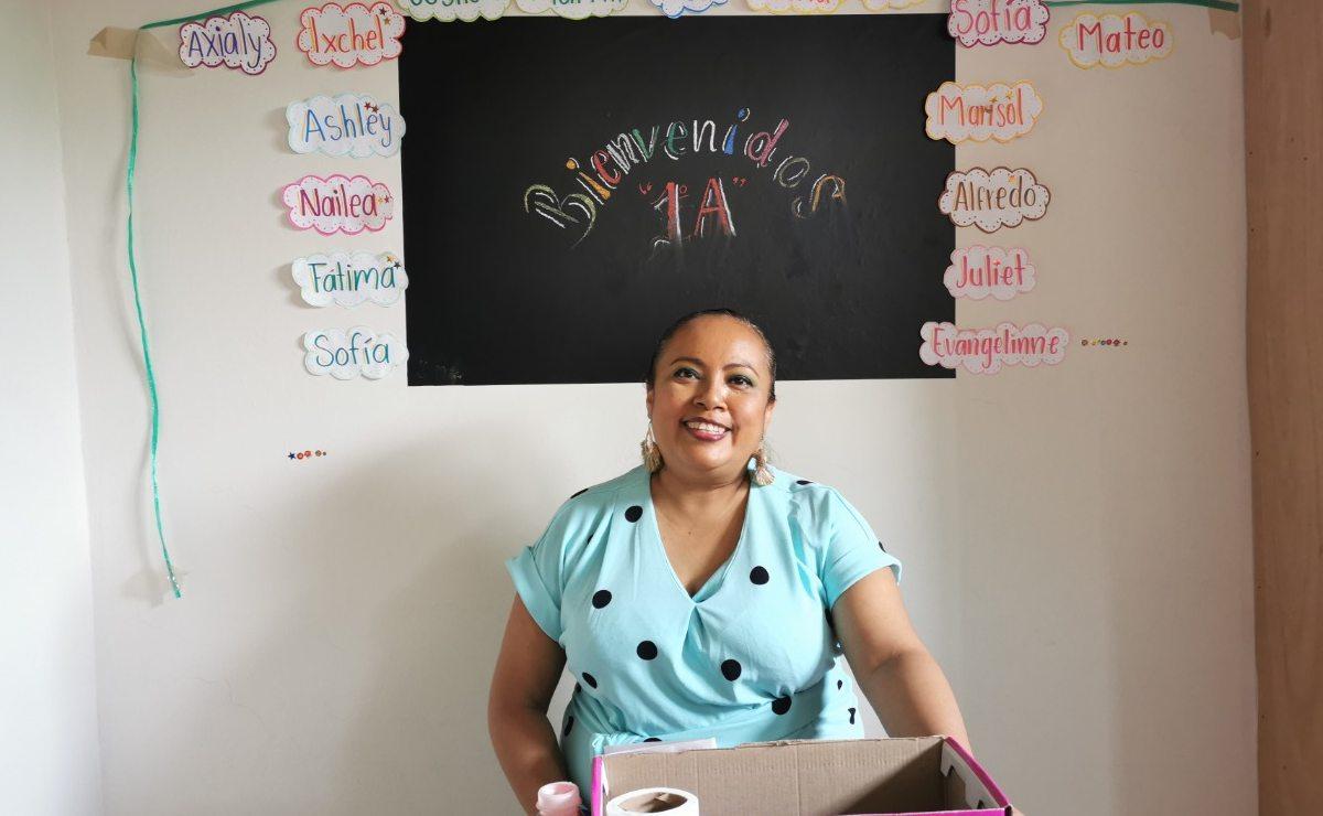 """Maestras llevan """"cachitos"""" de la escuela a su casa, para animar a sus alumnos en clases virtuales"""