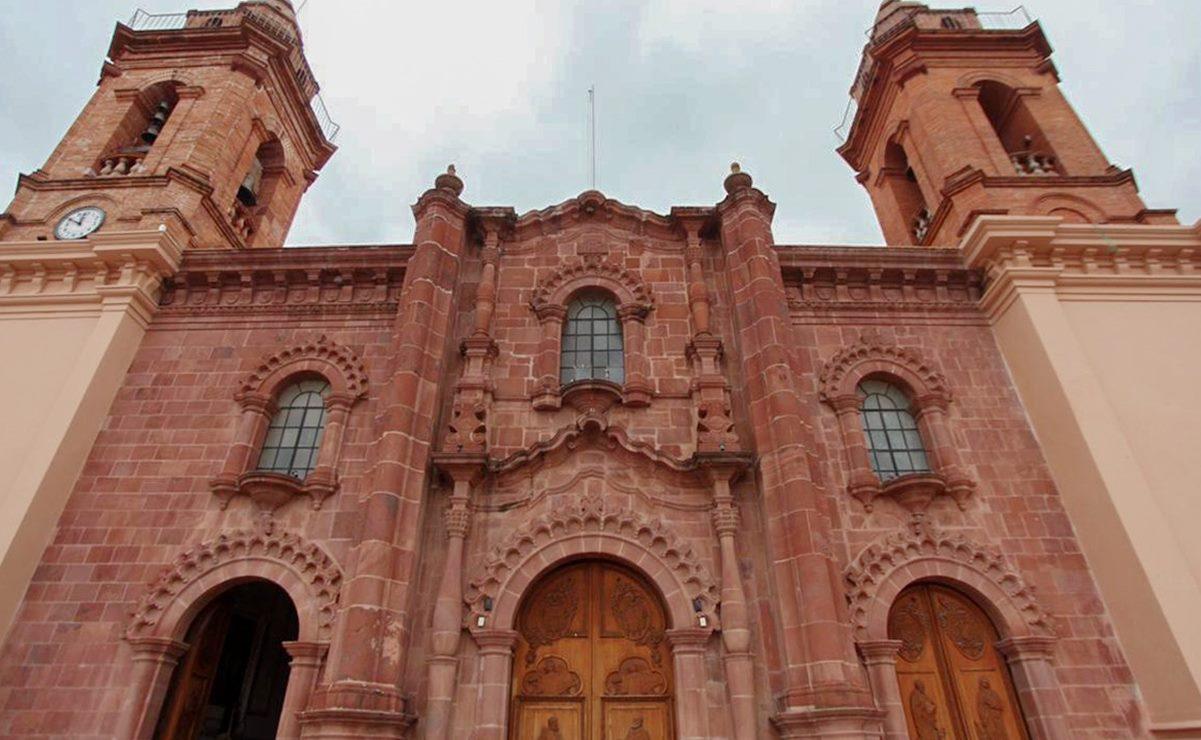 A casi tres años del 7S, entrega Murat trabajos de restauración en la Catedral de Huajuapan