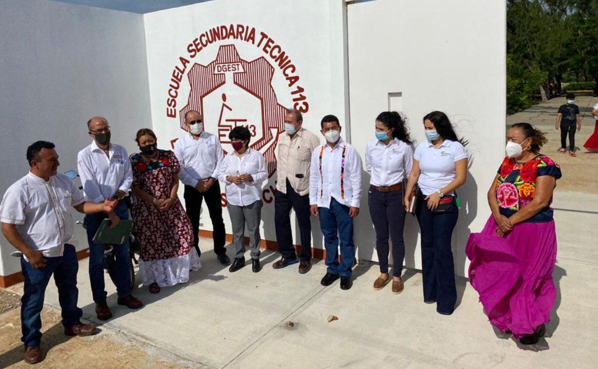 Entregan primera escuela que fue reconstruida por una empresa eólica; en total serán 50
