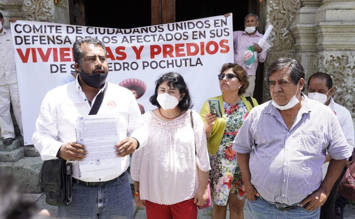 """Exigen comuneros de Pochutla a SCT """"pago justo"""" de sus tierras por ampliación de carretera"""