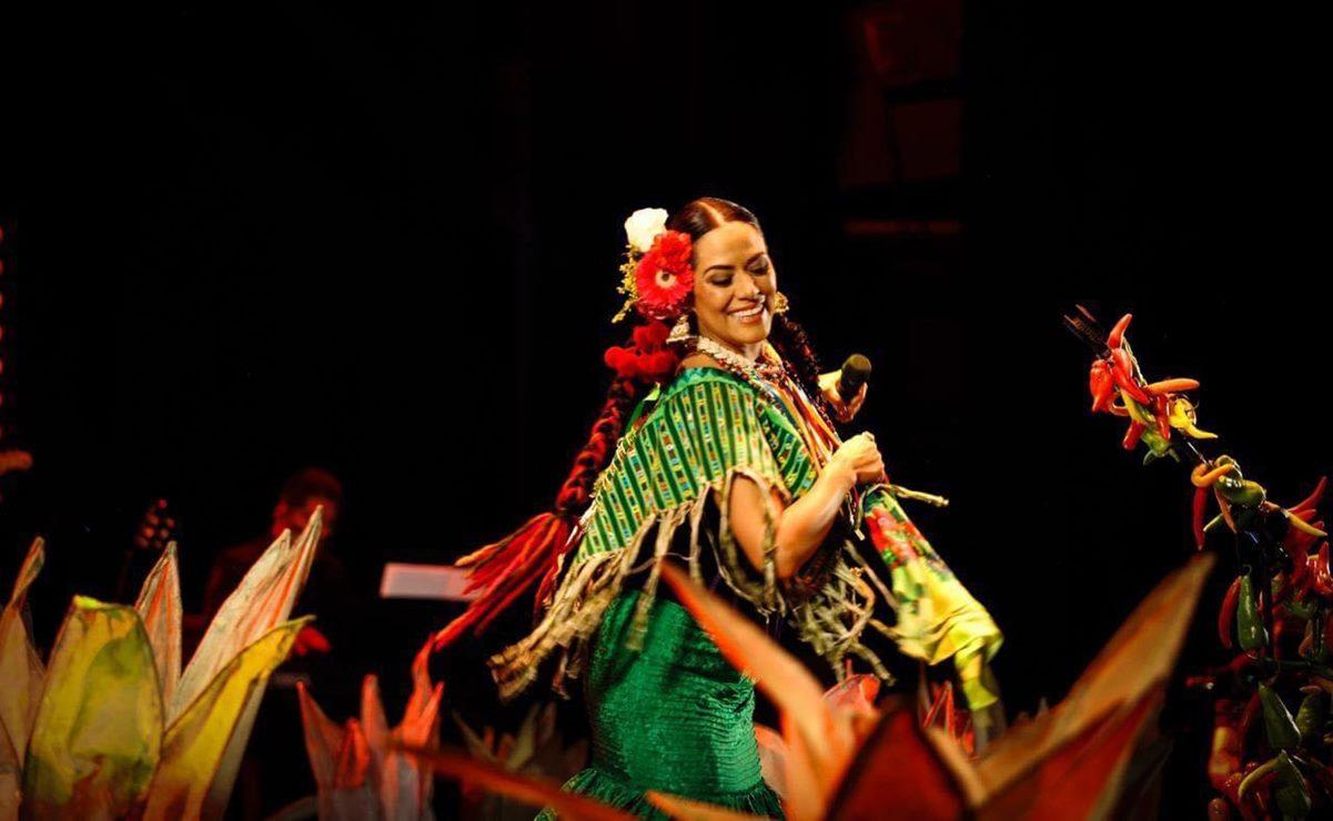 La cantante Lila Downs llama a brindar por el personal de salud en estas fiestas patrias