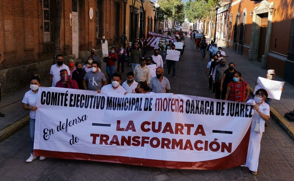 """Simpatizantes de Morena realizan en Oaxaca """"Marcha en Defensa de AMLO y la 4T"""""""