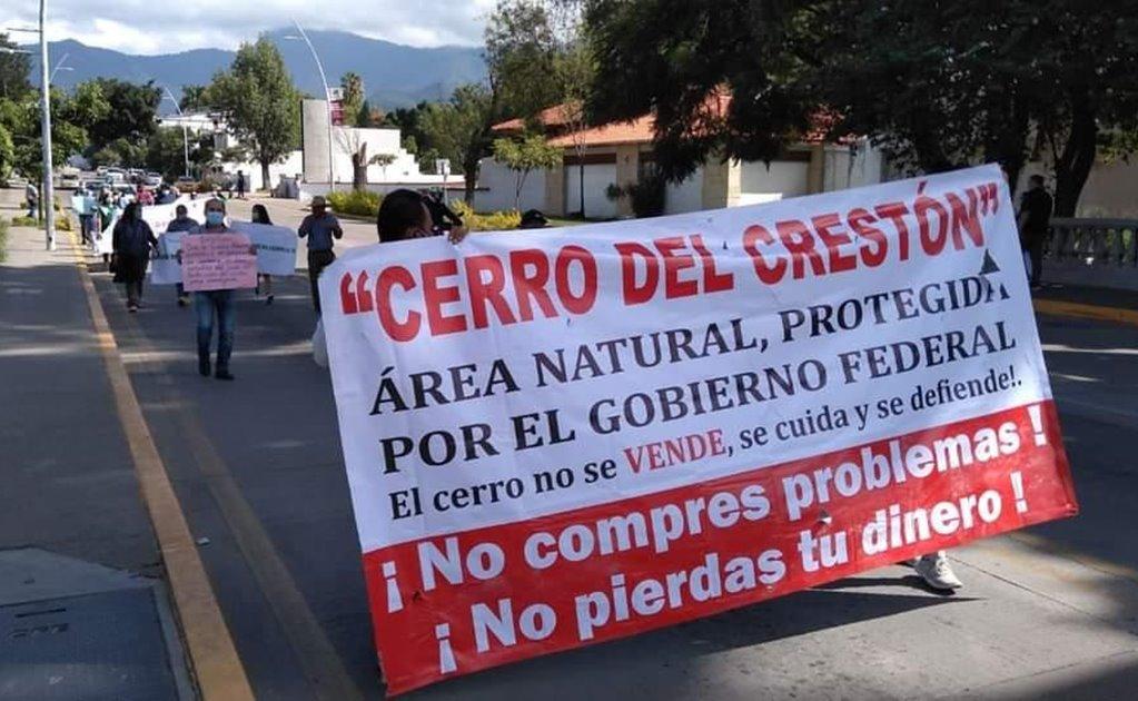 Protestan ambientalistas y vecinos en defensa del cerro del Crestón; exigen una Fiscalía Ambiental