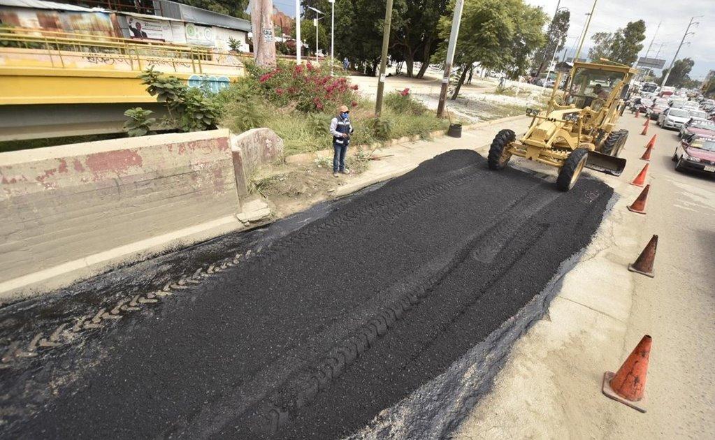 Repara ayuntamiento vialidades en el Parque del Amor, luego de impedir bacheo voluntario