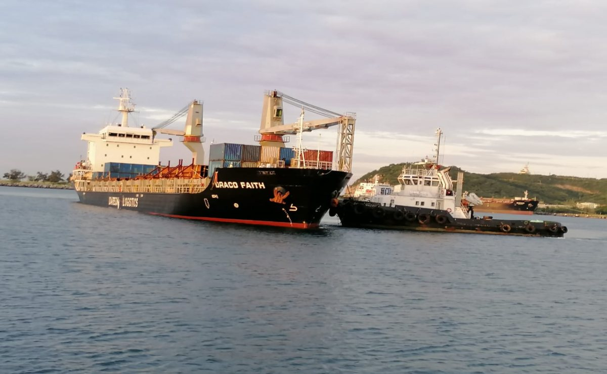 Arriban desde Asia 5 mil toneladas de rieles de acero para obras del Tren Transístmico