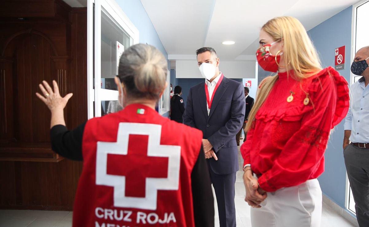 Inaugura Murat remodelación de la Cruz Roja en Oaxaca, y recibe distinción por labor benefactora