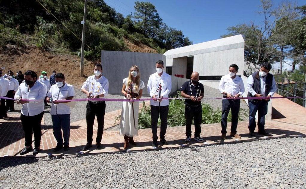 Inaugura Murat Santuario del Gusano de Seda en Sierra Norte; buscará denominación de origen