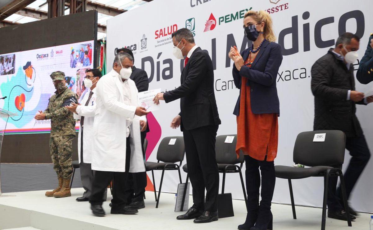Compromiso de médicos en Oaxaca mantiene letalidad de pandemia 13% abajo de media nacional: Murat