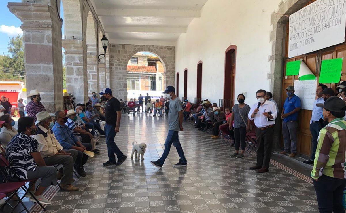 Tras mesa de diálogo con Segego, trabajadores de Tezoatlán liberan a edil retenida casi 5 días