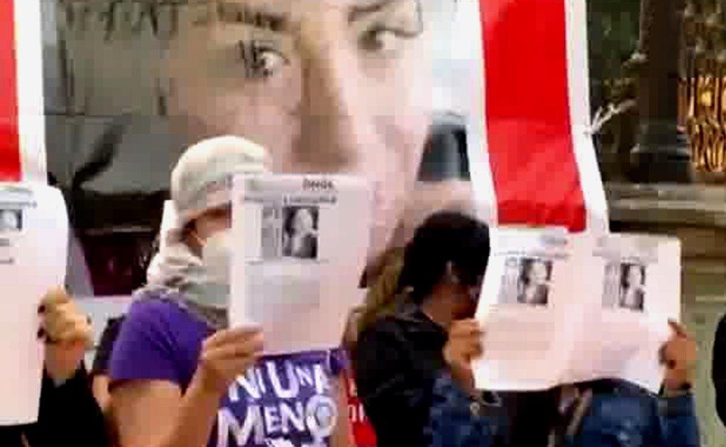 Con rabia y dolor, familiares de Zayra exigen en la capital de Oaxaca encontrarla con vida