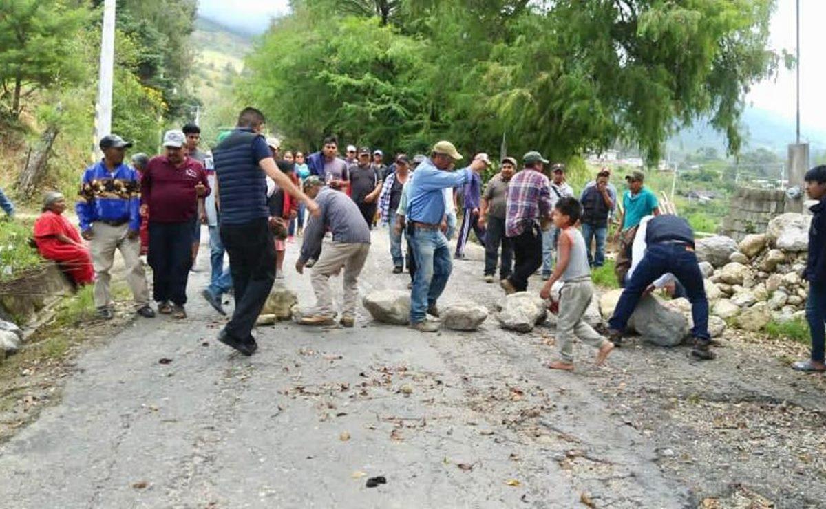 Organizaciones triquis levantan bloqueo carretero en la Mixteca, tras intervención de Segego