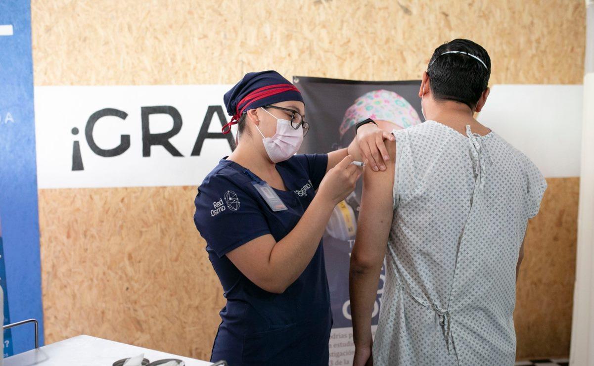 Prueban vacuna contra Covid-19 en primeros cinco voluntarios en Oaxaca; suman 950 aspirantes
