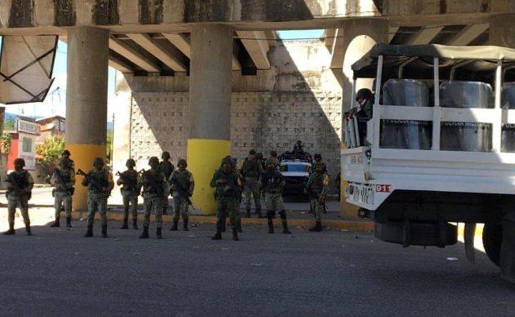 Pese a ataque personal de Oaxaca, gobierno de Guerrero permite que autodefensas reinstalen retén