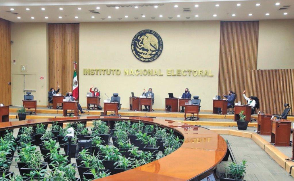 INE: deben ser mujeres 7 de 15 candidatos a gobernador