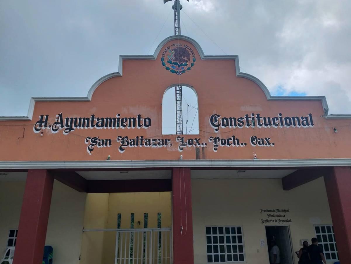 Renuncia Atenógenes Jiménez, edil de Loxicha, acusado presunto responsable del asesinato a activista