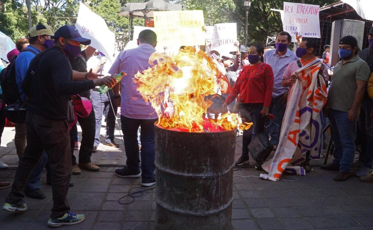 Trabajadores del Estado exigen retomar elecciones de nuevos dirigentes; temen quedar indefensos