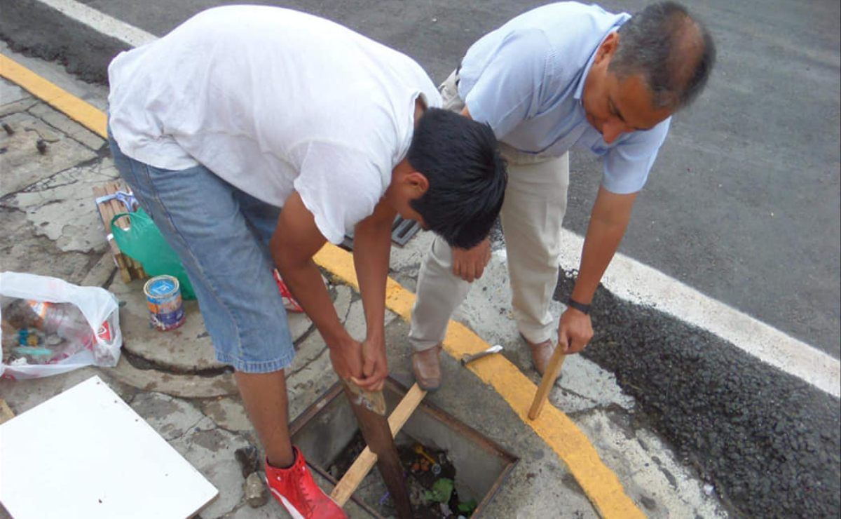 Iniciativa ciudadana repara calles de la ciudad de Oaxaca para personas con discapacidad