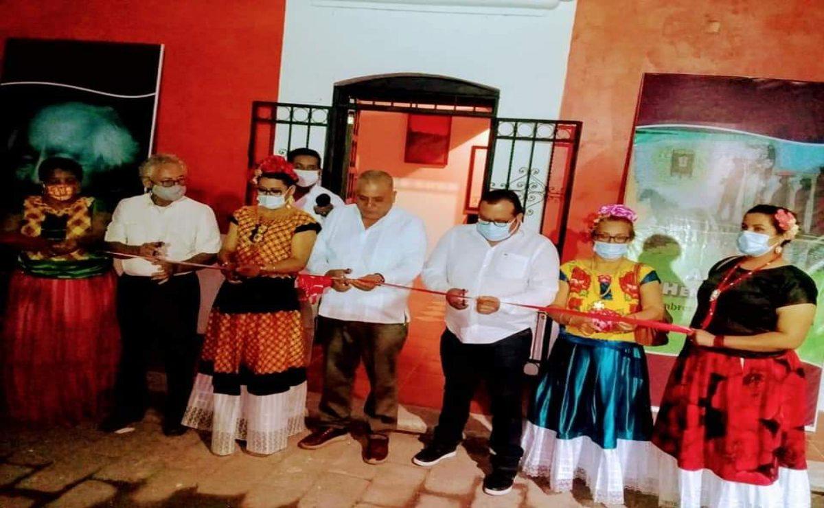 """""""Otoño de la palabra"""", realizan Tercer Encuentro de Escritores y Feria del Libro en Ixhuatán"""